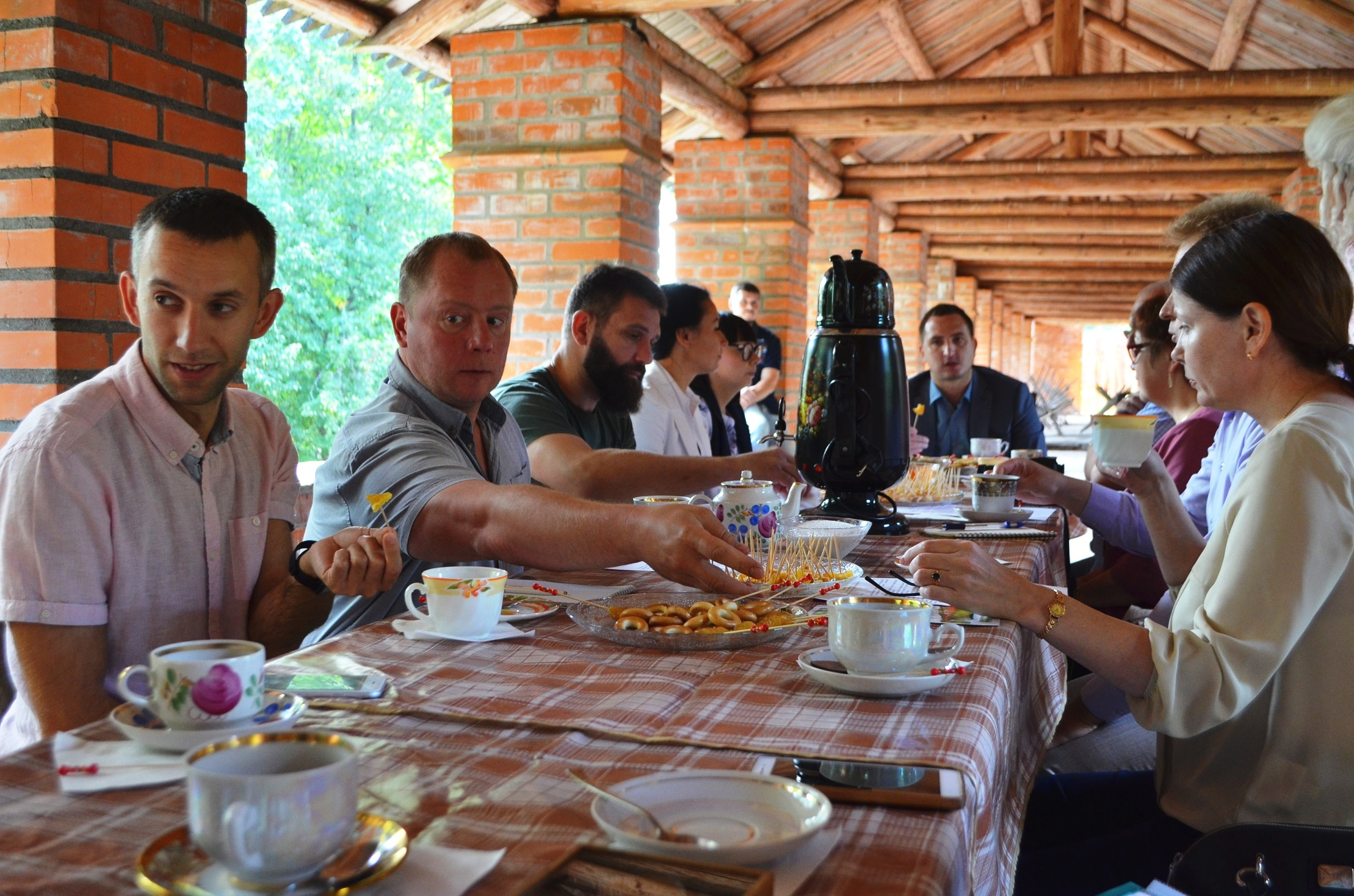 Встреча представителей региональной Комиссии РГО по развитию туризма с вице-губернатором Смоленской области Ростиславом Ровбелем.