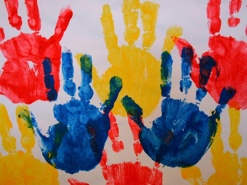 Дети наших сотрудников нарисовали ко Дню России мир вокруг себя
