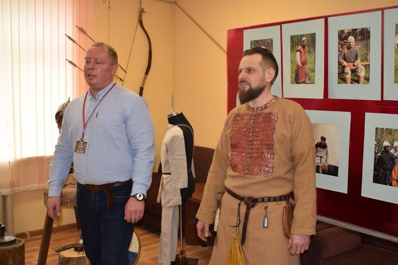Выставка «У истоков Руси» в Духовщине